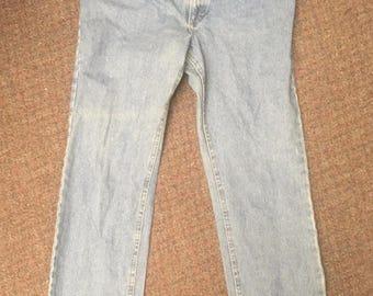 Vintage Men's Jeans Made By Lee Size 38x32 Medium Denim 100% Cotton