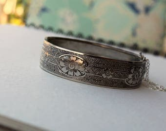 Beautiful Vintage Victorian Revival Engraved Bangle Bracelet