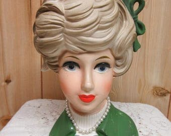 INARCO Vintage Lady Head Vace with Pearls
