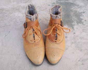 Vintage Womens 8.5 Greatland Footwear Tan Leather Ankle Boots Boot Bootie Booties Cap Toe Medallion Toe Warm Lined Winter Boots Boho Shoes