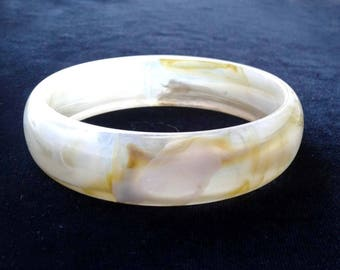 Marbled Lucite Bangle Bracelet Clear, White, Gold Vintage