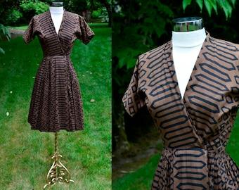 1950's Anne Fogarty Geometric Vintage Dress / Brown & Black 50's Pinup Dress / Fifties Wrap Dress / Size 4
