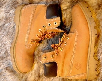 Women's CLASSIC TIMBERLAND Boots Genuine Leather Size 6.5