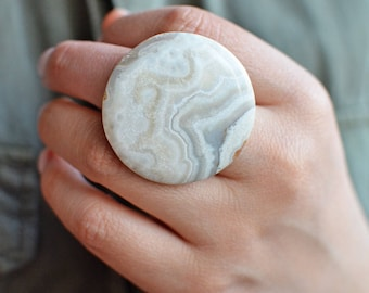 Round Agate Lace Ring