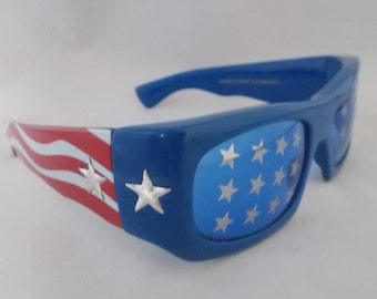 Vintage Dr. Peepers Sunglasses Heavy Plastic - Patriotic Red White Blue Stars Stripes American Flag USA - Cool Retro - Rocker Hipster 1990's