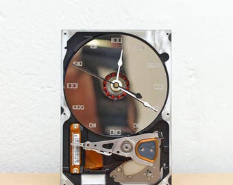 Desk clock - recycled Computer hard drive clock, HDD clock, gift for dad, unique gift for him, graduation gift - c6040