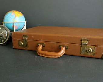 Vintage Brown Briefcase Hardside Attache Small Luggage Tablet Carrying Case WIth Metal Corners
