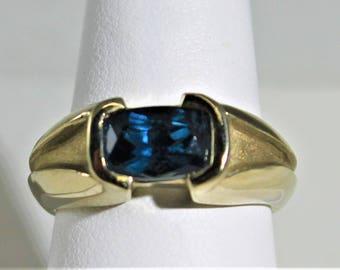 Montana Sapphire white Gold ring