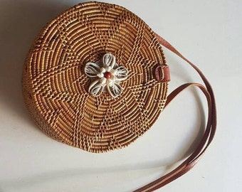 Round Rattan Beach Bag Seashell Flower (Flower Weave), Round Bag, Straw Bag