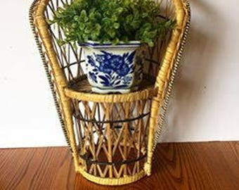 Vintage Wicker Plant Stand Jungalow Decor Boho Decor Beach Decor Coastal Decor Vintage Wicker Indoor Plant Stand