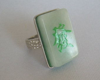 FENG SHUI PROSPERITY Giant Ring Size 9-9.25-Vintage Sterling Silver Chinese Jade-China Designer Hallmark-Green Ice-Hammered Band-00746