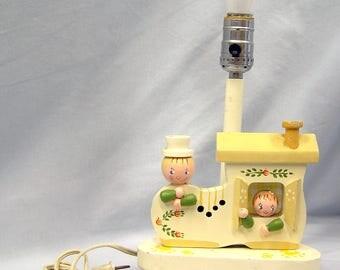 "Vtg IRMI Nursery Originals Inc UL Painted Wood Lamp Nite Lite Lamp Girl Boy Mother Hubbard 11"" Yellow"