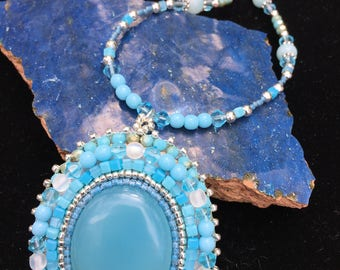 chalcedony cabochon sterling silver beaded necklace