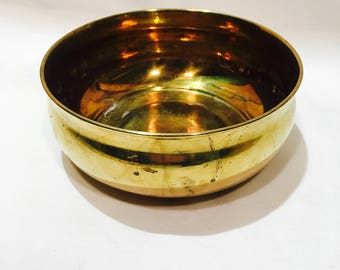 Shallow brass pot, Brass bowl, Brass pot, Vintage brass pot, Large brass planter, Brass catch all, Brass change dish, Brass tray