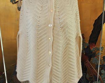 1970s Knit Spiderweb Poncho Shawl