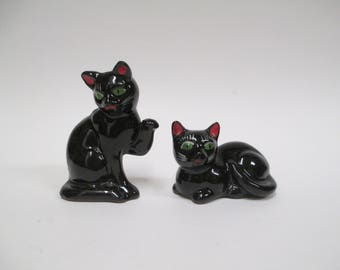 "Vintage Red Clay Cat Salt Pepper Set, Japan Black Cats with Green Eyes, ""Minty"" Shaker Set"