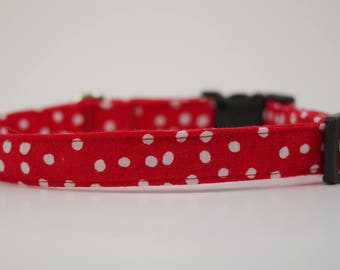 red white dot collar