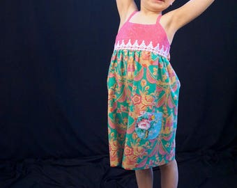 Sweet Summery Green and Pink Dress with a Touch of Lace Size 6