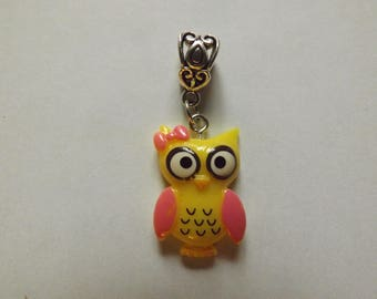 pretty silver yellow OWL pendant