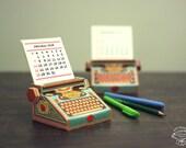 2018 & 2017 DIY Printable Paper Desk Calendar Papercraft   Colorful Typewriter Miniature   Printable A4 template pdf   Gift Colleague Writer