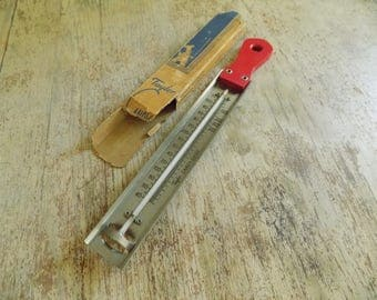 Vintage 1940s Taylor Candy Thermometer | Taylor Instruments Candy Guide with Red Wood Handle | Candy Making