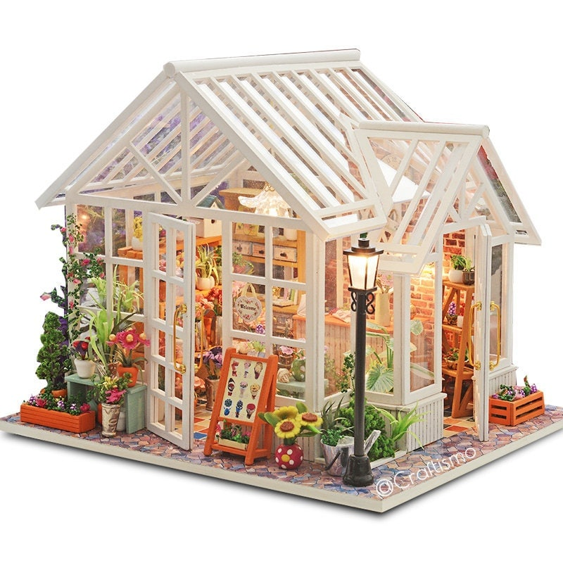 1: 24 DIY Miniature Dollhouse Kit Sosa Florist White Glass