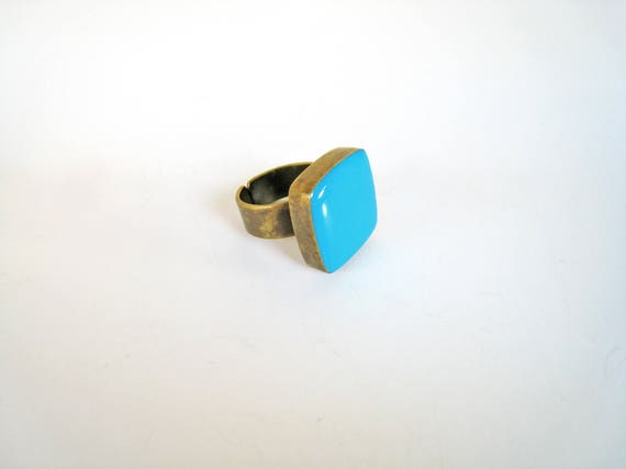 Blue Turquoise ring, bronze aquamarine cyan light blue statement ring, turquoise resin ring, modern minimalist jewelry, summer jewelry