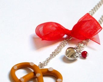 Red Knot and pretzel necklace