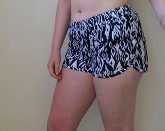 Black and white drawstring bicycle shorts- S/M