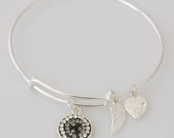 AA1039B   Grey and White Pave Crystal Adjustable Wire Bracelet w Black Crystal Accents ~ Angel Wings & Heart Metal Charms