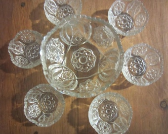 Vintage Small Clear Glass Decorative Bowl with 6 Matching Salt Cellars/Salt Bowls/Antique Salt Cellars