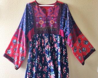 Stunning Vintage 60s/70s Floral Afghan Tribal Mini Dress
