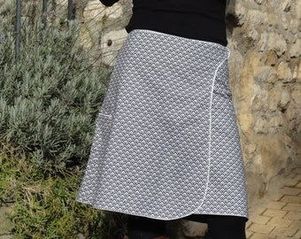 "Long skirt ""reversible""B & W Wire to Wire"""