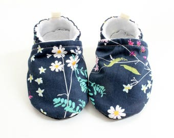 Bed of flowers baby boots -  Soft Sole Baby Crib Shoes, pre walkers, baby shower, gift, baby gift