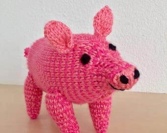 Knit mini pig (customizable with or without stripes)