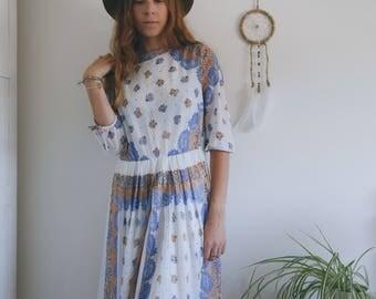 Vintage 70s floral paisley dress