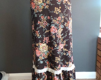 Vintage maxi skirt .  Brown floral and lace .