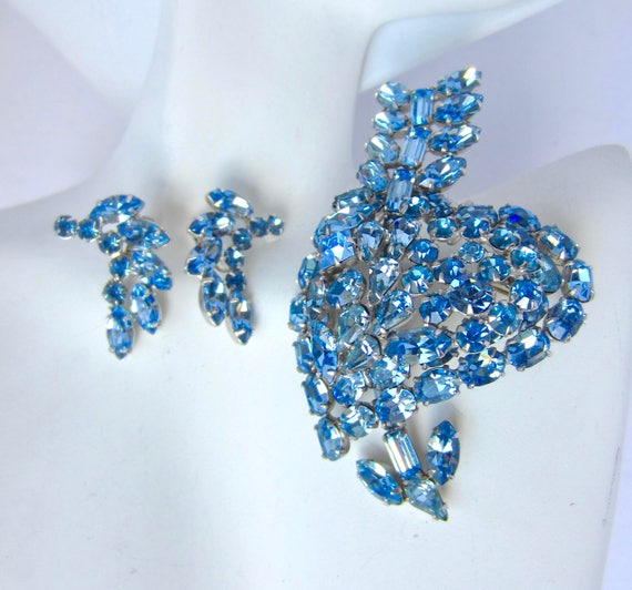 "Huge ICY BLuE Heart & Arrow rhinestone PIN/Pendant and EARRINGs Set ~unique, vintage costume jewelry signed ""PAT. 967965"""