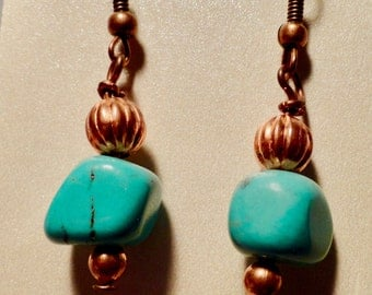 Copper Turquoise dangling earrings.  Turquoise Earrings. Turquoise Jewelry, Holiday Gift, Copper Earrings.