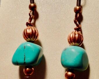 Copper Turquoise dangling earrings.  Turquoise Earrings. Copper Earrings.