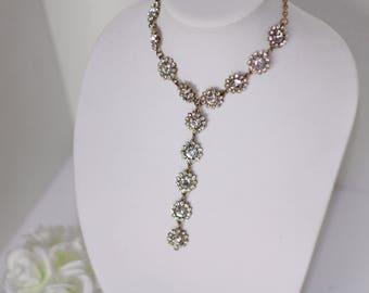 Single Strand Miniature Flower Pendant Necklace