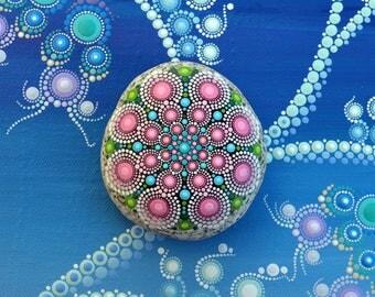 Mandala Stone, hand painted-arnhem-, dot art painting flower gift Fairy dream Ornament unique Décor
