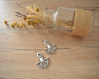 Antique silver dangling SHIELD style earrings, Silver dangle earrings, boho/ bohemian earrings, tribal ethnic silver earrings,silver jewelry