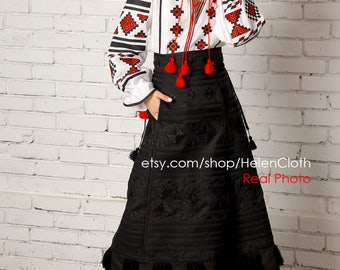 Vyshyvanka Embroidered Skirt and Blouse Boho Ukrainian Clothing, Mexican skirt, Embroidered White Linen Blouse. Folk outfit