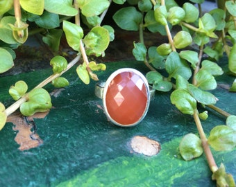 Faceted carnelian ring. Size 6.