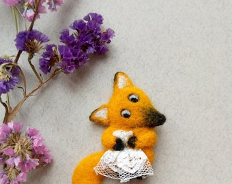 Fairytale Gift Needle Felt Brooch Cute She-Fox Wedding Dress Woodland Animal Gift For Her From Husband Funny Pin Wool Jewelry Kids Jewellery