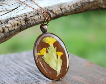 Primrose resin pendant, Pressed Flower Jewelry, Yellow flowers, Resin floral jewellery,Botanical Necklace,Plant Pendant,Nature lover jewelry