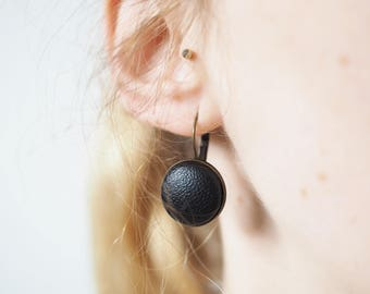 Black Brisur pendant earrings made of artificial leather