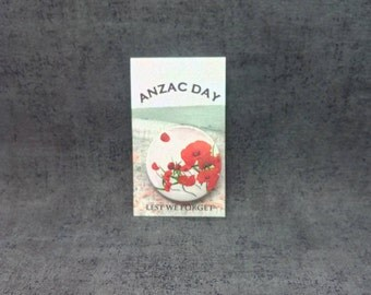 set of 6 badges 38 mm ANZAC DAY and poppies / sets of 6 badges 38 mm Anzac day and poppies