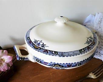 Faïence de Longchamp, légumier ou petite soupière en terre de fer, modèle Lily, début XXème siècle / vaisselle ancienne